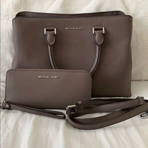MICHAEL KORS Handbag & Wallet